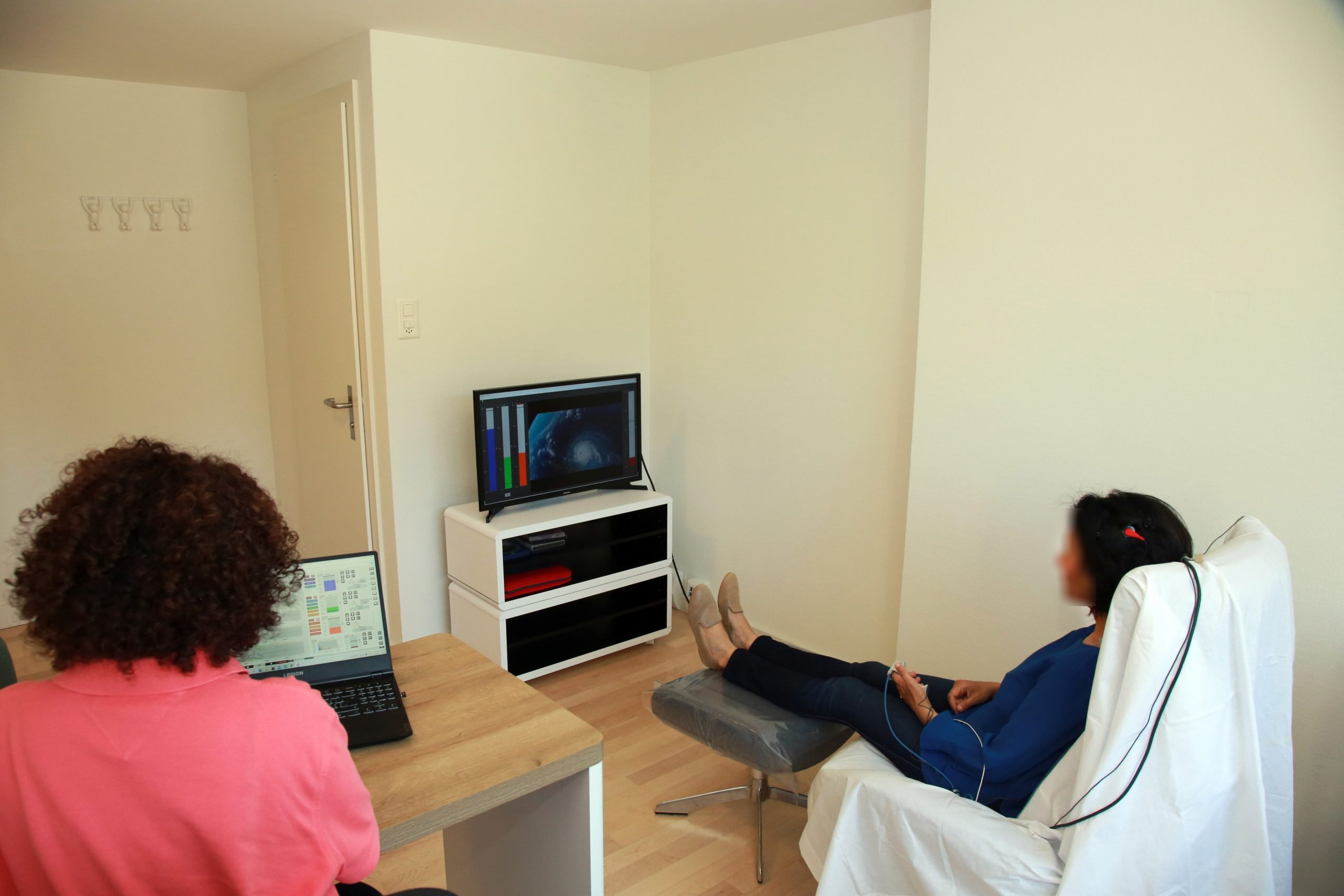 Image of neurofeedback for anxiety therapy